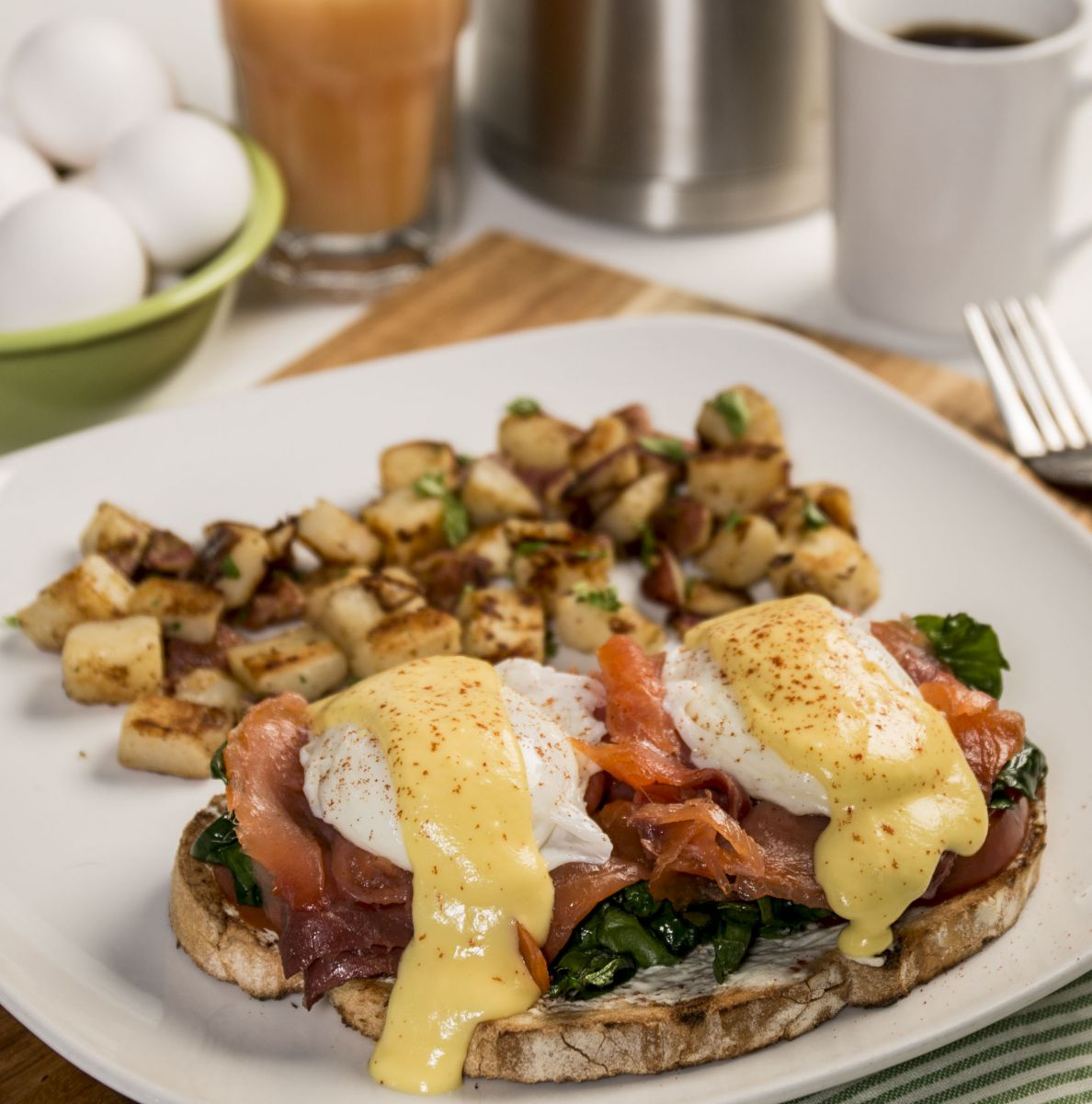smoked salmon benedict new - Colonial Cafe Kitchen Sink